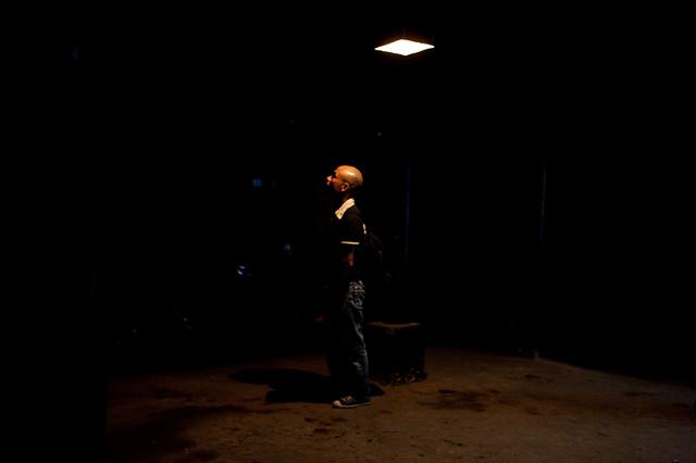 Nghệ sĩ Trương Tân trong sáng tối của Nhà Sàn