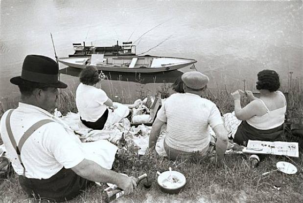 Bên bờ sông Marne, 1938
