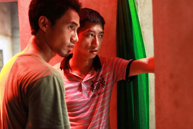 Đạo diễn Nguyễn Khắc Huy và diễn viên chính, ca sĩ Phạm Anh Khoa.