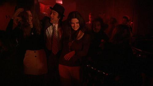Một cảnh quán bar trong Mean Streets