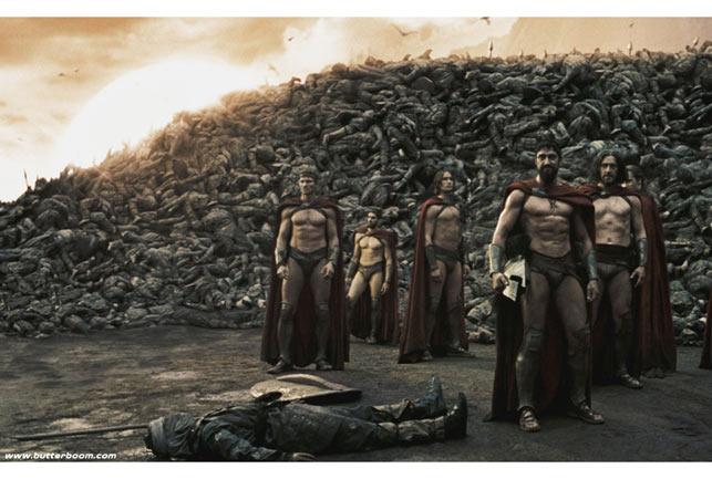 """Trang phục đóng khố của quân Spartan trong bản """"300"""" làm lại năm 2004"""