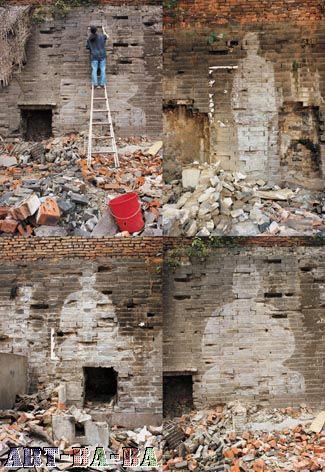 Dấu ấn lịch sử, 1998, Thành Đô: Suốt 7 tiếng lau sạch bức tường cổ bằng nước sông và bày ra dấu ấn lịch sử trong tim nghệ sĩ