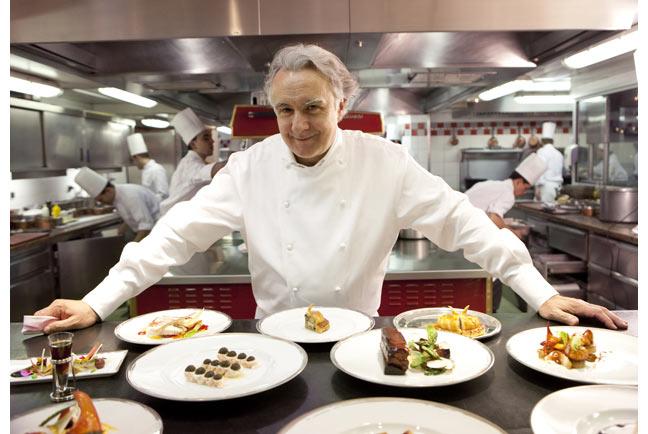 Ông Alain và các món của nhà hàng