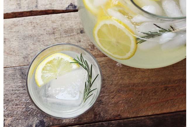 rosemr-lemonade